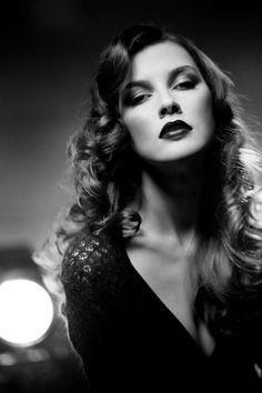 Beautiful Black & White!! Very Film Noir Feeling :)