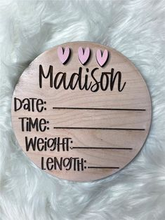 Welcome Baby Signs, Baby Name Signs, Cricut Baby Shower, Wooden Art, Wooden Frames, Birth Announcement Sign, Do It Yourself Kit, Baby Milestone Cards, Wood Burning Crafts