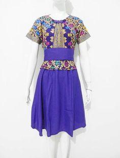 Dress Batik CDB146 terbuat dari bahan batik katun motif Prodo Bali Ungu dikombinasi bahan polos halus warna Ungu. Model dress batik modern lengan pendek dengan model Veve, sabuk lepasan dan ada karet di pinggang belakang  Dress Batik CDB146 tersedia dalam ukuran allsize panjang dress 95cm, lingkar dada 100cm