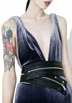 542bbc4a32 Bellatrix Zipper Belt just wants you all to itself