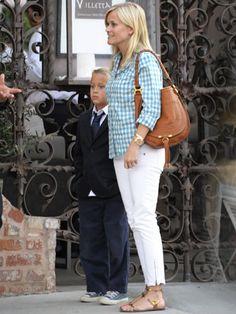 Celeb Mom Style: @ReeseWitherspoon #fashion #fashionmom #style