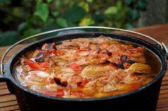 Schichtfleisch zählt zu den absoluten Klassikern unter den Durch Oven-Gerichten. Es ist super lecker, einfach zuzubereiten und man bekommt viele Leute satt.