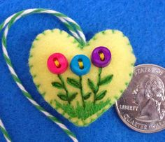 365 Sewn Hearts: Button Flowers