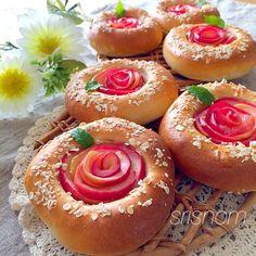 りんごのバラで♡りんごのカスタードパン by なお at 2014-10-30