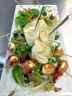www.eventsbybh.com Hors D'oeuvre assortment for wedding tasting. Truffle mac & cheese, scallops wrapped in bacon with a dollop of spicy mayo, spiral citrus chicken with creamy pesto sauce, and beef wellington in a puff pastry. #Wedding #Tasting - Info@EventsByBH.com