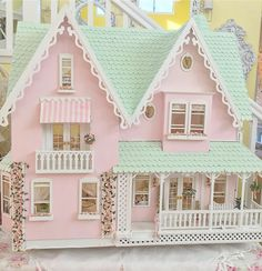 "267 Likes, 10 Comments - Vicky (@pinkinparadise808) on Instagram: ""Front entrance of my Dollhouse Not for Sale#greenleafdollhouse #garfielddollhouse #pastel…"""