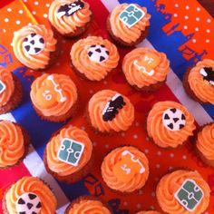 Dutch soccer cupcakes   Oranje voetbal cupcakes