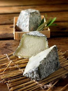Traditional Valencay cheese - legend has it that the flat top is down to Napoleon lopping the top off with his sword! Fromage Cheese, Queso Cheese, Wine Cheese, Goat Cheese, Antipasto, Charcuterie, Epoisses, French Cheese, Kinds Of Cheese