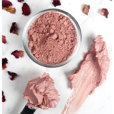 This Rose Clay Face Mask recipe is great for dry or mature skin. Rosehip seed oil, chamomile extract and rose absolute create a luxurious clay face mask. Homemade Face Moisturizer, Homemade Face Masks, Diy Cosmetic, Rhassoul, Clay Face Mask, Rose Clay, Clay Faces, Diy Mask, Diy Clay