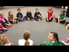 Sleigh Ride: Super Easy Cup Routine - May be better for a music class. Some of the kids look anxious. Kindergarten Music, Preschool Music, Music Activities, Teaching Music, Music Games, Christmas Concert, Christmas Music, Music And Movement, Primary Music