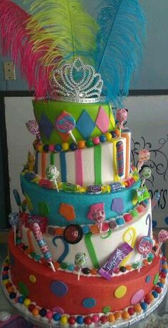 & from this cake the feathers in the back