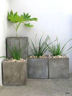 simple concrete planters |