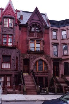 176 St John's Pl. Park Slope, Brooklyn. Victorian Gothic Row House (1888)