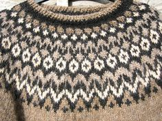 Ravelry: willowknitting's top down Riddari Crochet Crafts, Knit Crochet, Gilets, Knitting Patterns, Sewing Projects, Wool, Sweaters, How To Make, Style