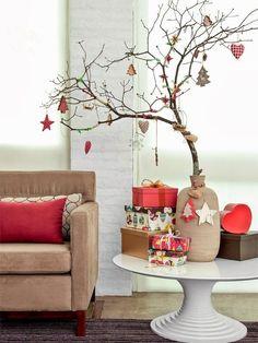 árvore de natal feita com galhos secos e outras ideias que fogem do natal clichê.