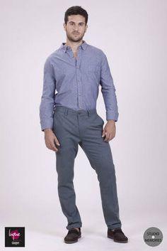 Camisa vaquera y pantalón turquesa... Estilo!