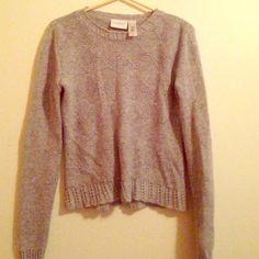 "Liz Claiborne ""Lizsport Petite"" sweater Sweet soft little sweater Liz Claiborne Sweaters Crew & Scoop Necks"