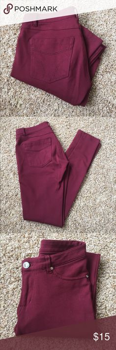 """Maroon jeggings 🥀 Maroon jeggings with two studs on the seams of each front pocket: great condition, no pilling. Fake pockets in the front and real pockets in the back! Inseam: 30"""" laid flat, but since these pants are stretchy they will stretch to fit you as well :) size small: should fit a 1 and 3! Pants Skinny"""