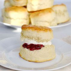 Buttermilk Scones This is the perfect buttermilk scone recipe. Rich, light, buttery and full of flavour these buttermilk scones are a treat to eat. Scones Aux Fruits, Fruit Scones, Baking Recipes, Cake Recipes, Dessert Recipes, Desserts, Buttermilk Scone Recipe, Mary Berry Buttermilk Scones, Mary Berry Scones