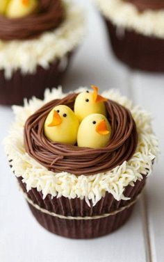 Chick cupcakes - Easter dessert - Easter cupcake - baby chicks