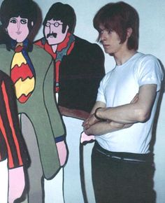 fezgod: David Bowie at The Beatles Yellow Submarine Premiere. David Bowie Born, Ziggy Played Guitar, Just Deal With It, Im Lonely, The Thin White Duke, Ziggy Stardust, Yellow Submarine, Popular Music, Paul Mccartney