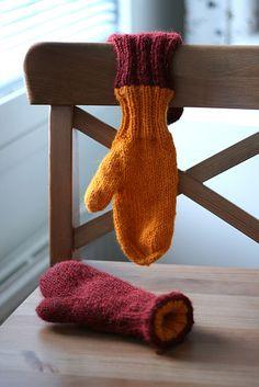 Love double knit mittens.  Doubledouble #alpaca #mittens #knit #pattern