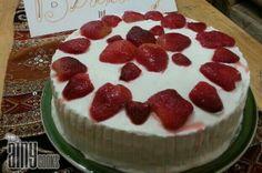 DOUBLE LAYERED CAKE