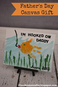 19 Father's Day Handprint Gift Ideas Does dad love fishing? This I'm Hooked on Daddy Canvas Gift will remind any father of his hobbies and his kids. Baby Crafts, Toddler Crafts, Crafts To Do, Crafts For Kids, Toddler Art, Craft Activities, Preschool Crafts, Daycare Crafts, Daddy Day