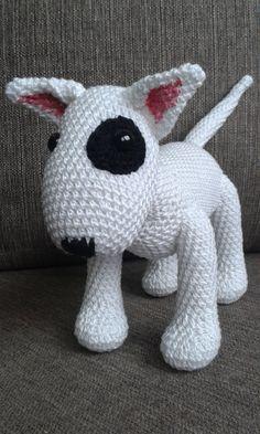 It can be a special gift for Bull Terrier fans! Crochet Art, Crochet Patterns Amigurumi, Crochet Animals, Crochet Toys, Free Crochet, Pitbull, Perros Bull Terrier, English Bull Terriers, Dog Pattern