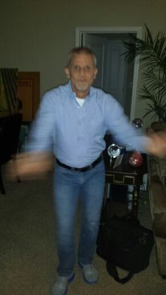 Larry a dancing 2