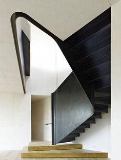 triangular shaped metal  staircase. scala triangolare in metallo #staircase