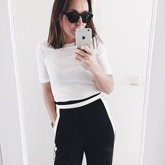 Back in black and white⚡️ #ootd #blackandwhite #alwaysagoodone #outfit #hmootd #hm #asseenonme #asos #highwaisted #monday