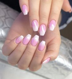 Glamorous Pink Ombre Nails #ombrenails #ombrenailart #nailart #naildesigns #summernails