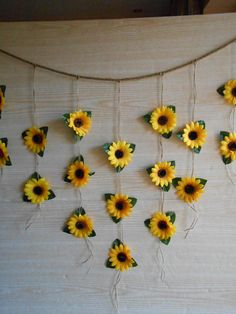 Sunflower Wedding Decor Sunflower Garland Bridal Shower image 1 - Hochzeitsdeko - The Best Wedding You Deserve Sunflower Room, Sunflower Party, Sunflower Baby Showers, Sunflower Wall Decor, Sunflower Crafts, Sunflower Nursery, Sunflower Bathroom, Sunflower Cupcakes, Sunflower Wreaths