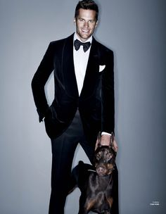 tom brady in a tom ford tuxedo via v man Tom Brady, Mario Testino, Sharp Dressed Man, Well Dressed, Traje Black Tie, Traje A Rigor, Givenchy, Valentino, Moda Masculina