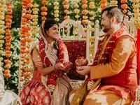 Indian bride and groom during wedding ceremony with yellow and orange fall wedding color scheme Wedding Guest Updo, Hindu Wedding Ceremony, Wedding Dj, Fade Styles, Shaved Head, Wedding Videos, Chicago Wedding, Black Kids, Black And White Photography
