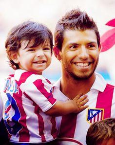 Sergio Aguero and his son --- They are adorable! Manchester City, Manchester United, Sergio Aguero, Kun Aguero, European Men, Fathers Love, Hot Boys, Champions League, Liverpool