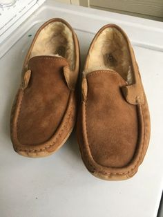 26c33e850aef Men s UGG Australia S N 5102 Byron Slippers Size 10 US Brown F8005H  fashion