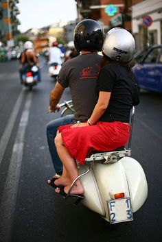 Vintage riding (via Adriano.) Not only are these two individuals riding on a Vespa together, the driver has a Vespa on the back of his tee! Vespa Piaggio, Scooters Vespa, Motos Vespa, Scooter Bike, Lambretta Scooter, Motor Scooters, Vespa Motorbike, Tricycle, Vespa Vintage