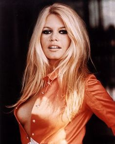Can't get enough of Bardot's late 60s look! Love the shameless blatant sexuality that seems to come naturally to her.