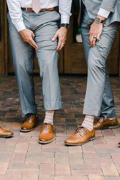 Groomsmen Guides: Wedding Shoe Men's Wedding Shoes, Wedding Socks, Fashion Socks, Mens Fashion, Navy Tuxedos, Tuxedo Shoes, Blue Suit Wedding, Classic Tuxedo, Slim Fit Tuxedo