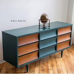 Majority of these amazing saving valuable space office funiture inspirations optimize space, with essentials such as the drip leaf table and altering home furnishings. Mcm Furniture, Living Furniture, Classic Furniture, Mid Century Modern Furniture, Paint Furniture, Upcycled Furniture, Furniture Making, Furniture Design, Midcentury Modern