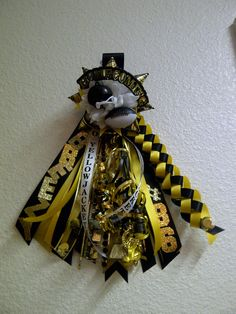 Batman Themed Small Sized Homecoming Mum Anniesmums Wix