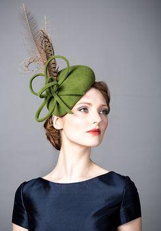Rachel Trevor Morgan AW 2014 R14W1 - Green fur felt beret with pheasant feathers