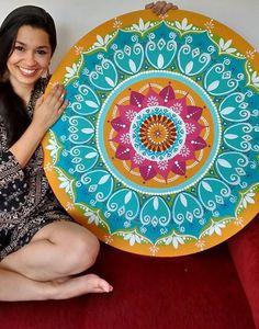 Mandala no MDF, 80 cm, acrílica, pintada a mão. arte de Rosangela Bavaresco.