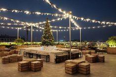 52 Ideas for garden terrace cafe rooftop bar - Rooftop Garden Rooftop Design, Terrace Design, Rooftop Bar, Outdoor Restaurant Design, Terrace Restaurant, Cafe Interior Design, Cafe Design, Roof Top Cafe, Garden Cafe