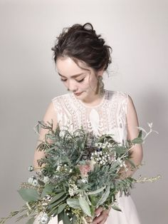 Party Hairstyles, Wedding Hairstyles, Wedding Kimono, Wedding Dresses, Red Colour Dress, Bridal Hair Updo, Flower Bouquet Wedding, Wedding Images, Wedding Details