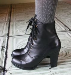Perfect witch boots