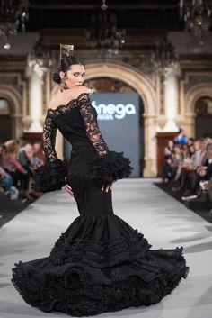Aranega - We Love Flamenco 2018 - Sevilla Yes To The Dress, Costume, Lovely Dresses, African Women, White Style, Party Fashion, Flamenco Dresses, Dresses Dresses, Ball Gowns