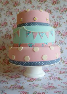 Vintage inspired bunting cake by The Little Velvet Cake Company
